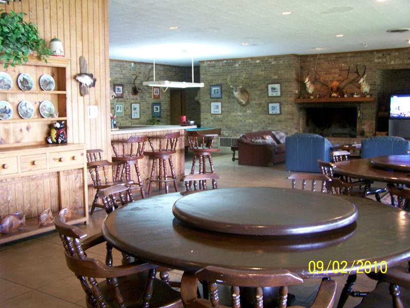 Robinson Lodge dining area.jpg