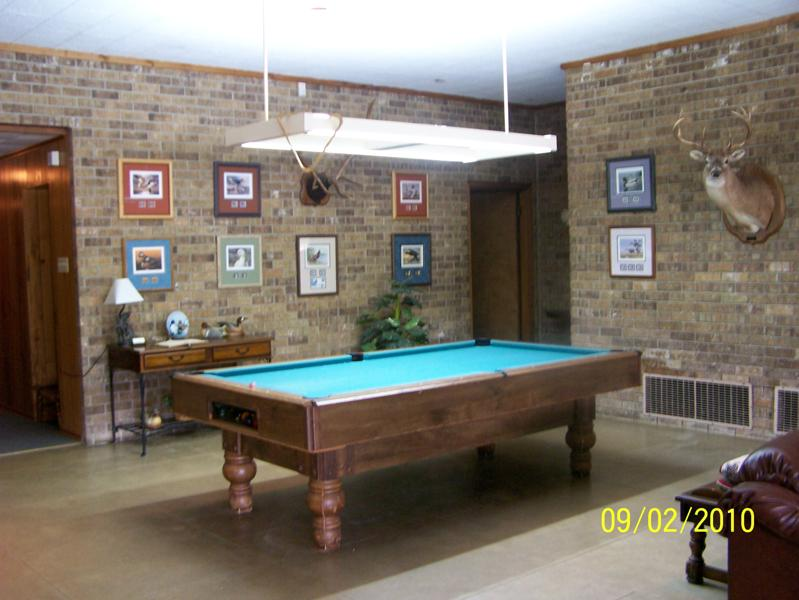 Robinson Lodge pool table.jpg