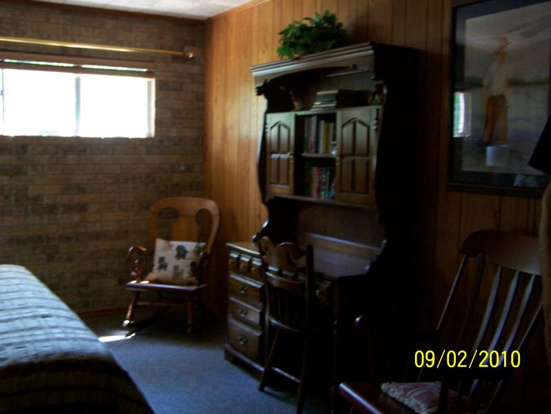 Robinson Lodge room 5b.jpg