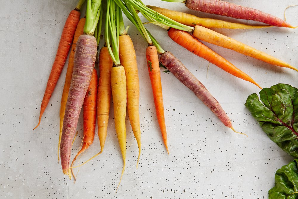 Carrots are packed with vitamins and minerals, especially the antioxidant beta-carotene. The carrots overall nutrient value helps prevent aging, enhances immunity and aids in eyesight. -
