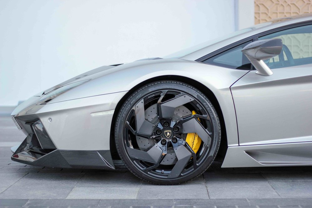vehicle-sourcing-sports-car-luxury-in-motion