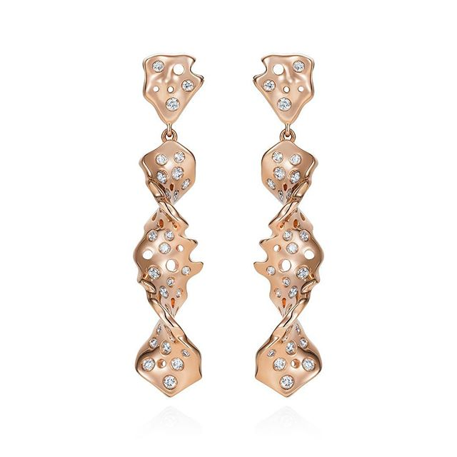 The Twisted  Star Co, 18k rose gold earrings set with diamonds.  #starcollection #18kgold #rosegold #diamonds #jsay