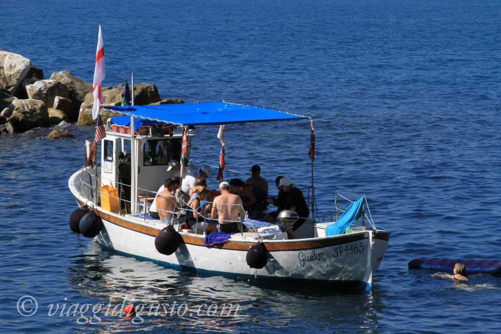 boat tour italy.jpg