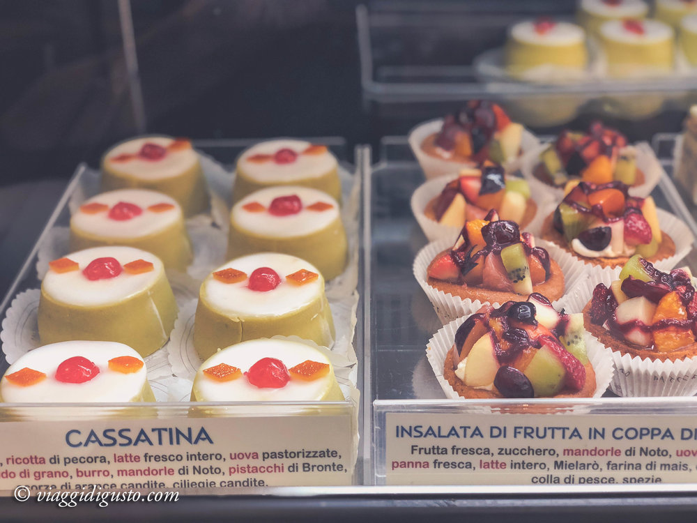 Traditional Sicilian sweets, Caffe Sicilia, Noto.