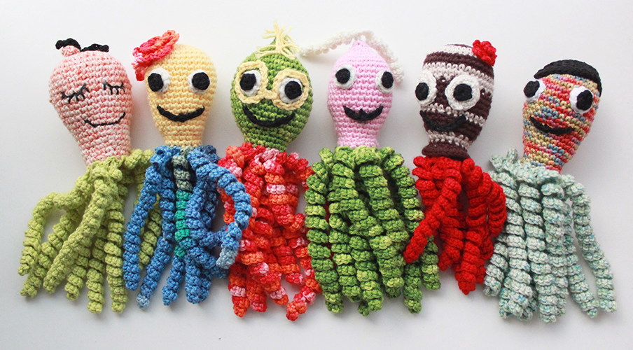 Spruttegruppen ocotpi crocheted to comfort hospitalized premature babies