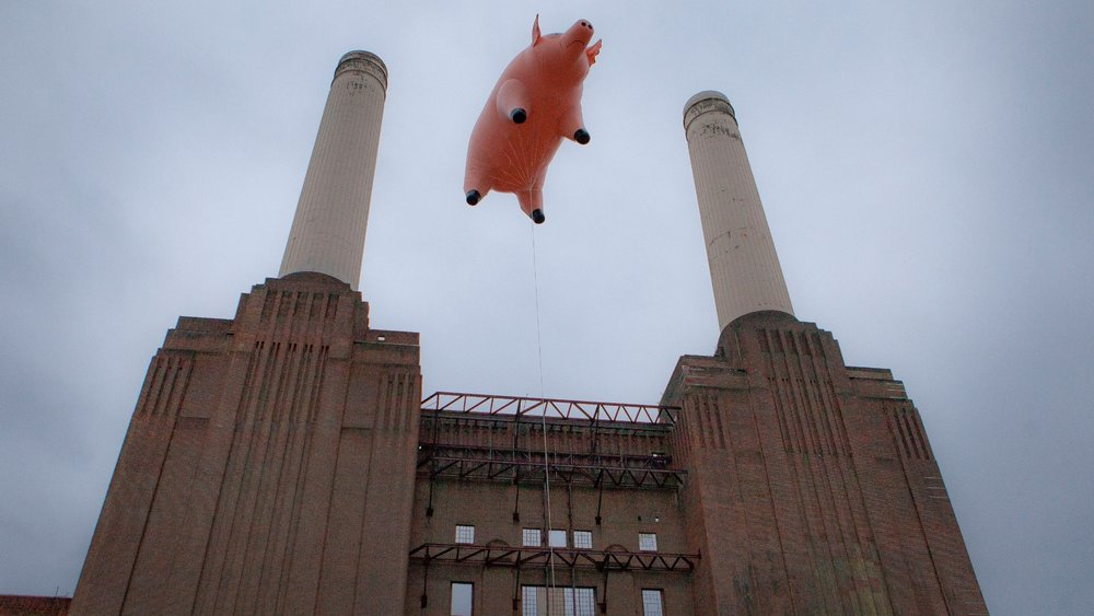 recreation of Battersea Power Station floatation - 2011