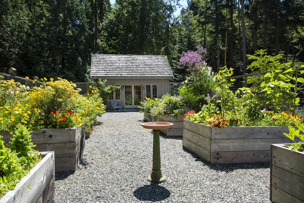 garden-shed-1-Lrg.jpg
