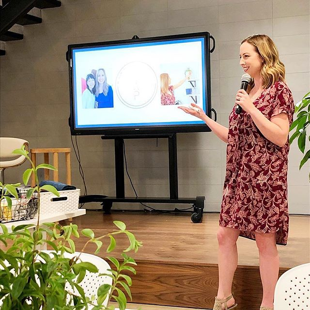 Stop and think: how does this support my lifestyle? #konmarimethod - Do what you love, and love what you do! Thank you @theriveterco for having me last night for Spring Clean & Spark Joy Workshop! - I have one more event this week! Be sure to check the link in my bio and catch me at @westfieldtopanga for some more tidying fun!