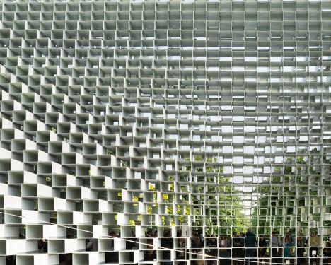 serpentine-gallery-pavilion-2016-bjarke-ingels_dezeen_936_7-468x375.jpg