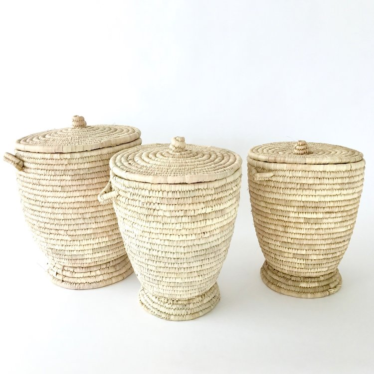 """<span style=""""font-family:Helvetica;letter-spacing:2px;font-size:10px;color:rgba(28,28,28,0.8);text-transform:uppercase;""""><b>PALM LEAF LAUNDRY BASKET</b></span>"""