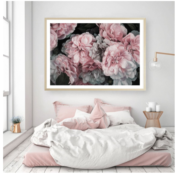"""<span style=""""font-family:Helvetica;letter-spacing:2px;font-size:10px;color:rgba(28,28,28,0.8);text-transform:uppercase;""""><b> PINK BLOOMS [EMPORIUM]</b></span>"""