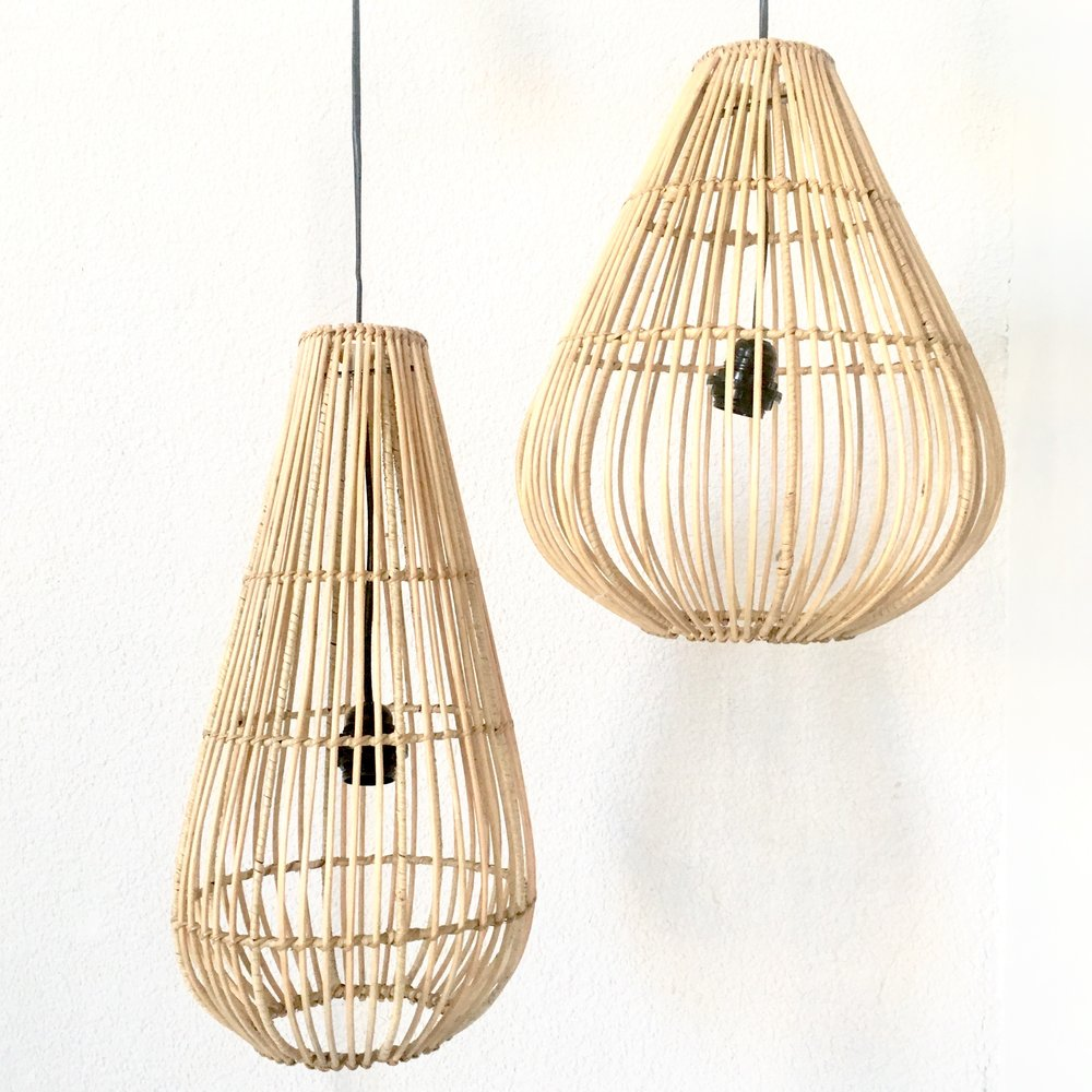 """<span style=""""font-family:Helvetica;letter-spacing:2px;font-size:10px;color:rgba(28,28,28,0.8);text-transform:uppercase;""""><b>SPA LANTERNS CLUSTER</b></span>"""