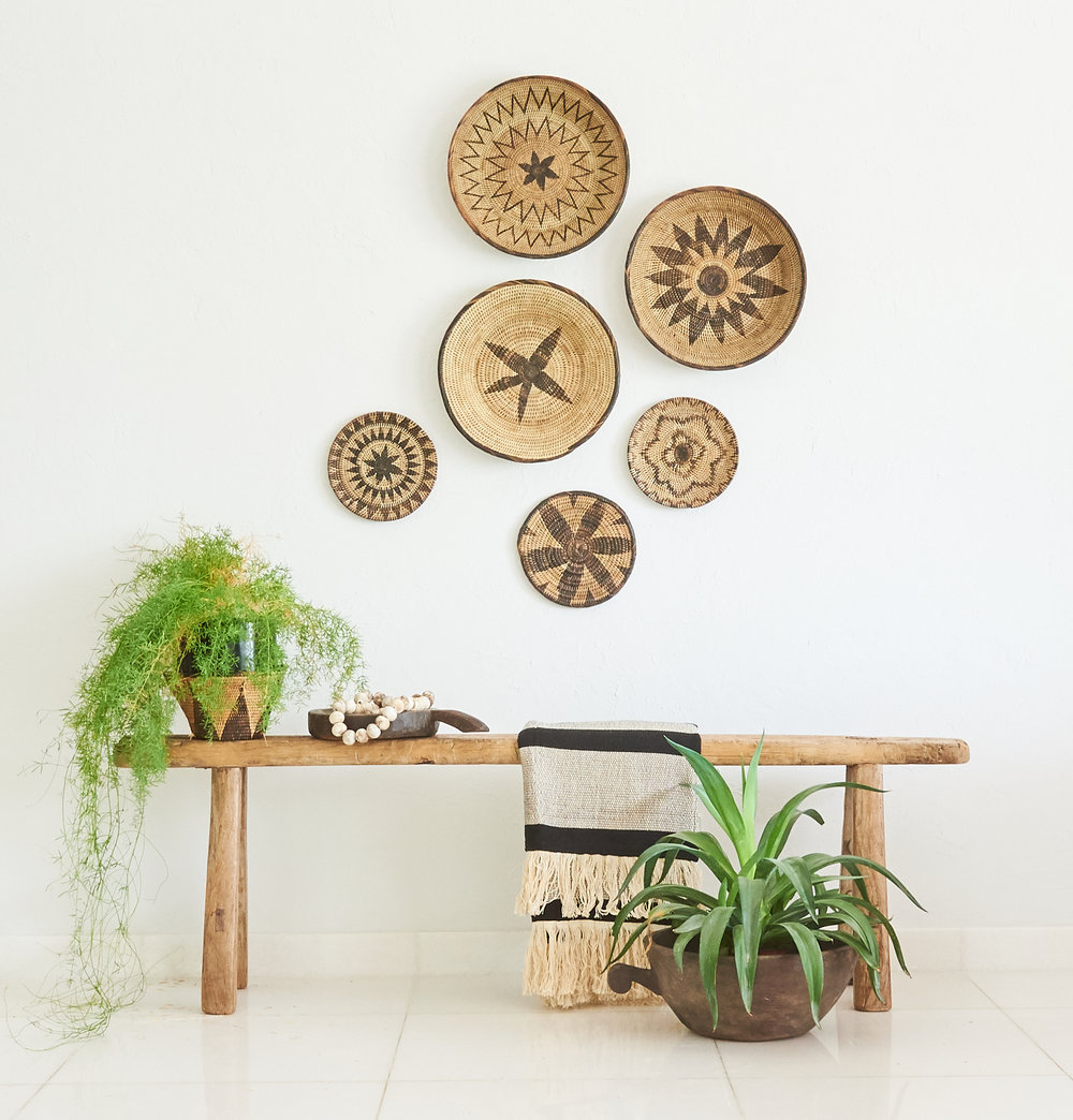 """<span style=""""font-family:Helvetica;letter-spacing:2px;font-size:10px;color:rgba(28,28,28,0.8);text-transform:uppercase;""""><b>ASSORTED TONGA PLATES</b></span>"""