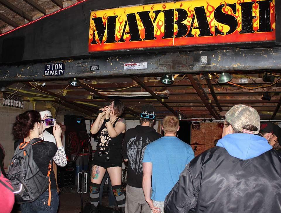 Maybash_crowd.jpg