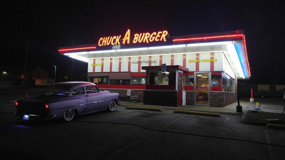 chuck-a-burger-sign