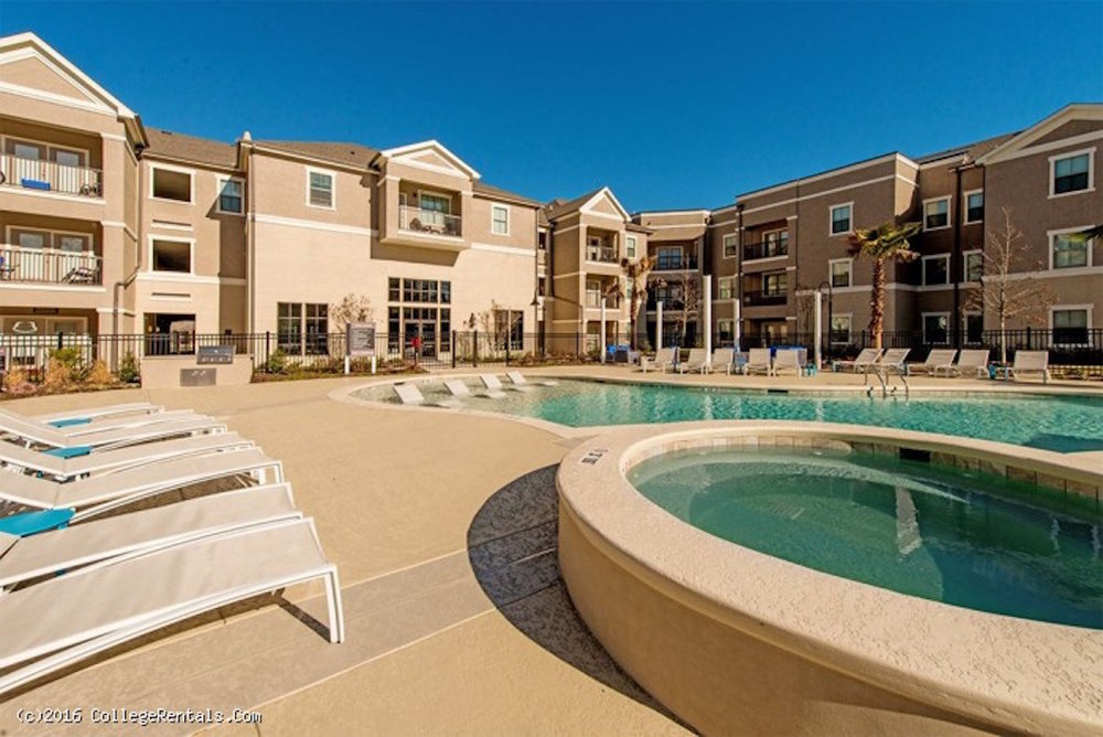 exchange-at-baton-rouge-apartments-pool-and-spa.jpg56cccfec7920f.jpg