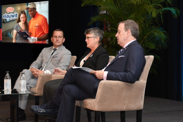 Left to Right: John M. Cashion,Corporate Director of Culture Transformation for the Ritz Carlton Leadership Center (expert panelist),Mary Milne,Senior Vice President of Guest Experience & Blue Ribbon Service,Tampa Bay Lightning (expert panelist) and Bruce Sanders, Elauwit's Chief Marketing Officer (moderator).