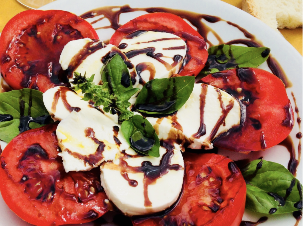 The best caprese salad I ever ate, while enjoying an afternoon in Tuscany. What a pleasure!