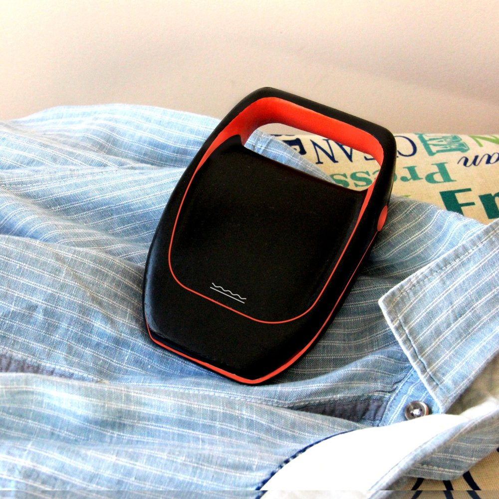 FOLDABLE TRAVEL IRON