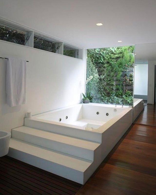 Who else wants this bath tub in their home!?