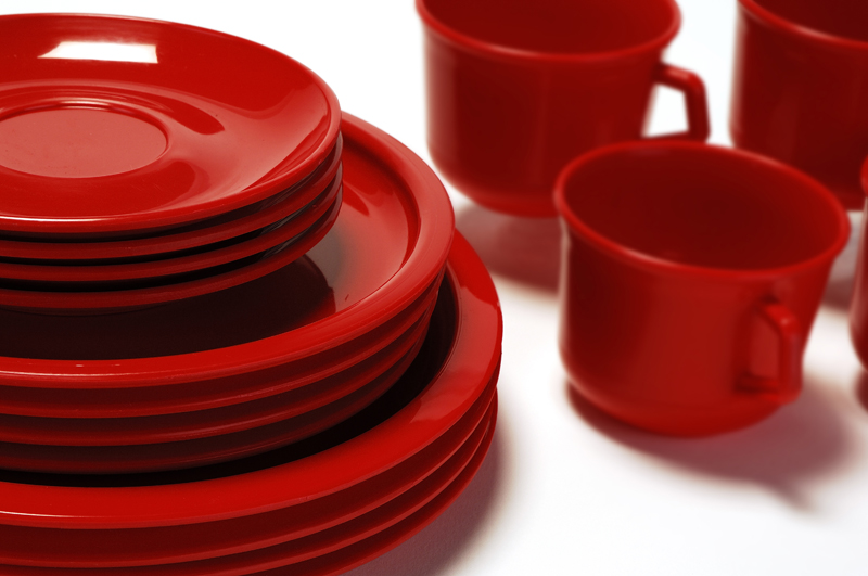 PLASTIC From tableware to tortilla warmers. Click here and surprise yourself with the wide variety of plastic products that we have.