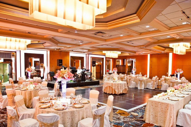 Hotel Bellevue   425-688-3382   EMAIL   The Bellevue Club is a one-of-a-kind internationally recognized four–diamond boutique property, that provides a luxurious setting for your wedding.