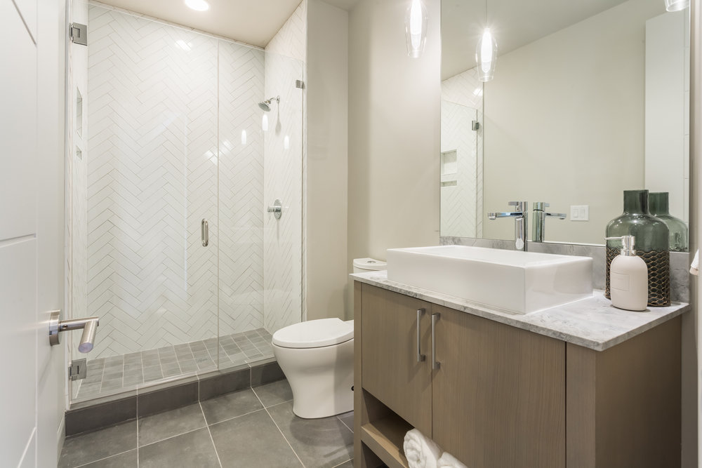 Lot 4 Main Bath.jpg