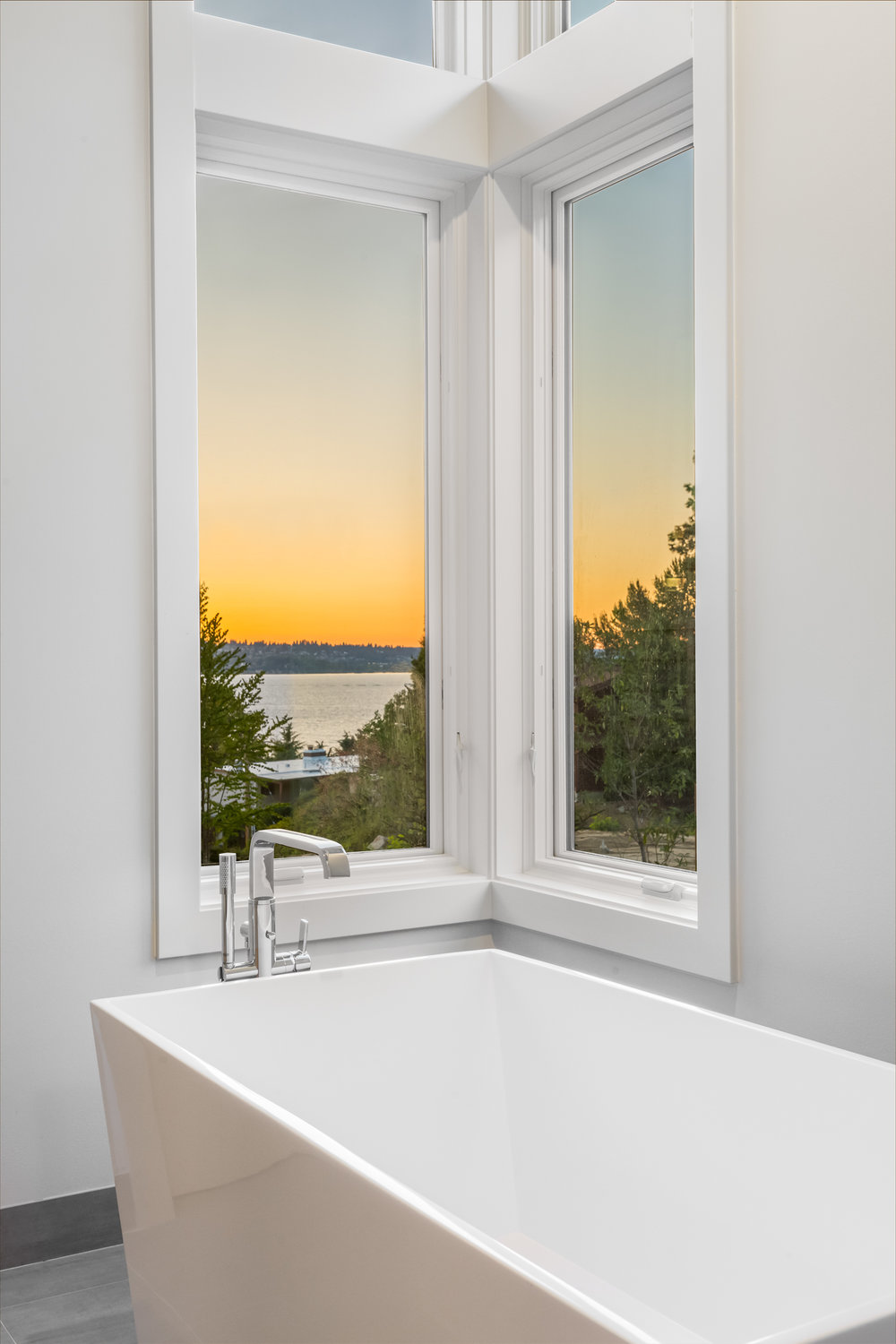 Lot 4 Tub Sunset.jpg