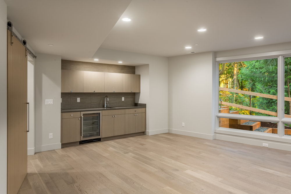 Lot 4 Rec Wet Bar.jpg