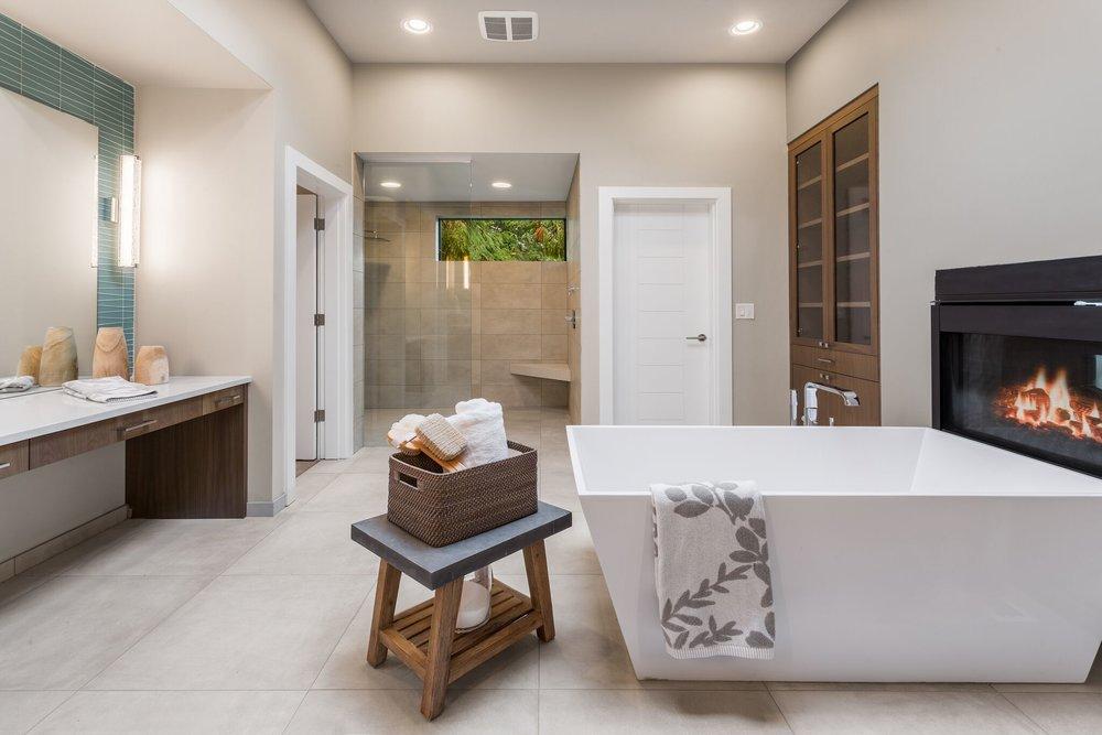 3 master bath.jpeg