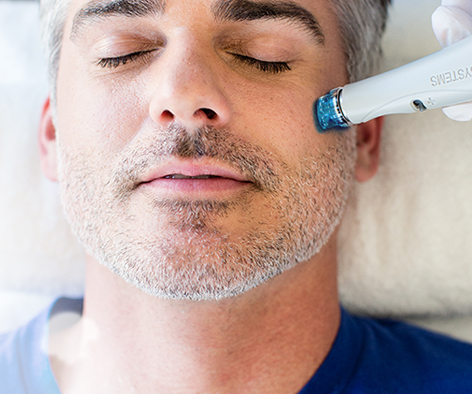 Hydrafacial-treatment-at-Robert-Aycock_md_Bay-Area_CA.jpg