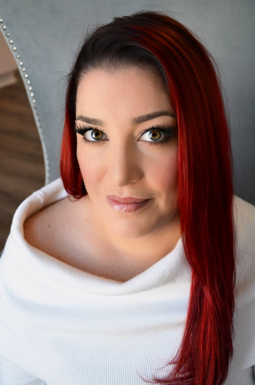 Kelly - Makeup Artist | Lash Lift & Brow Shape SpecialistEducator | Creative Assistant for LINDEN