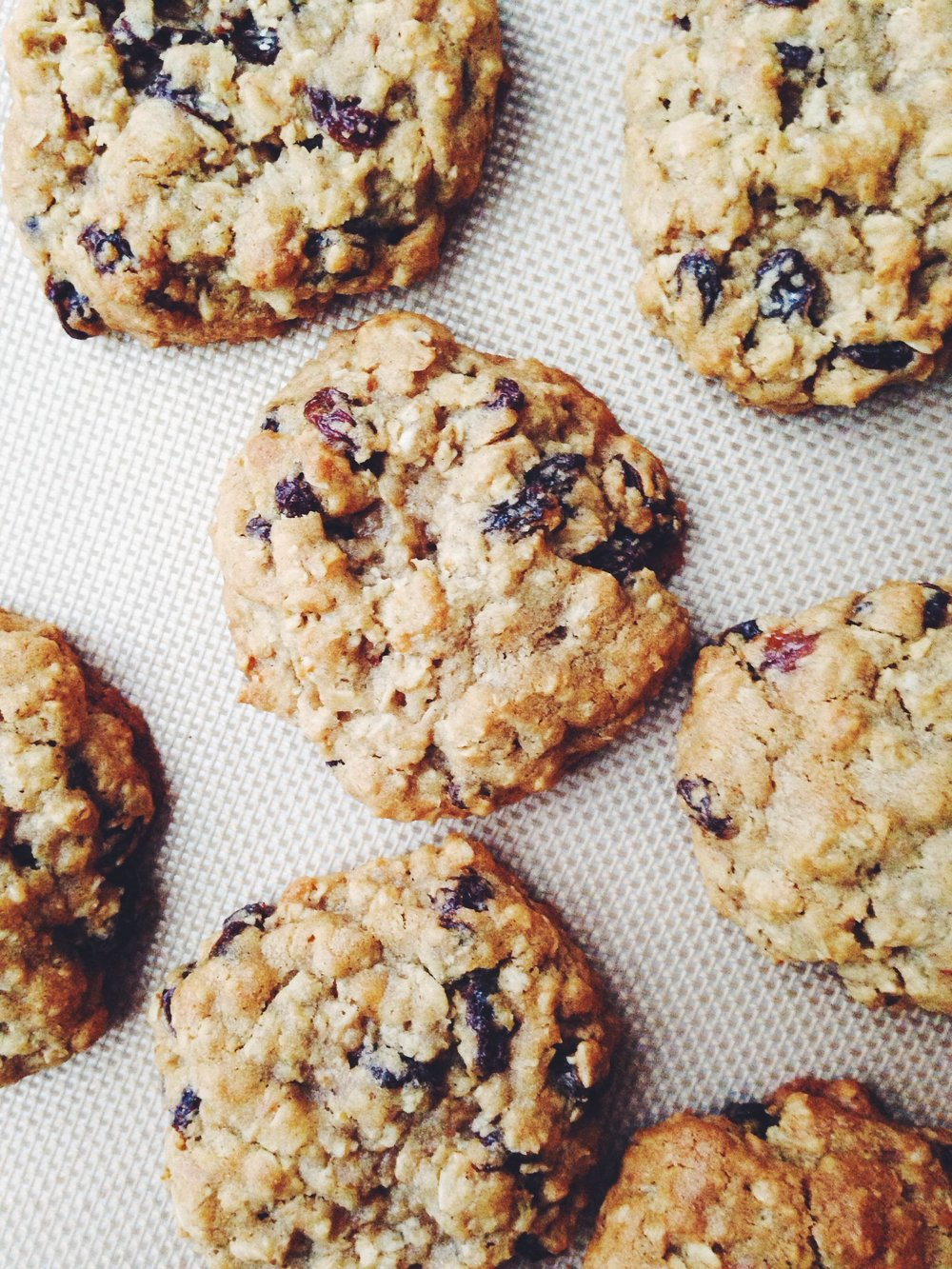 best-oatmeal-raisin-cookie-recipe.jpg