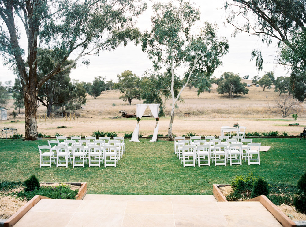 00011- outback cellar door wedding photo.jpg