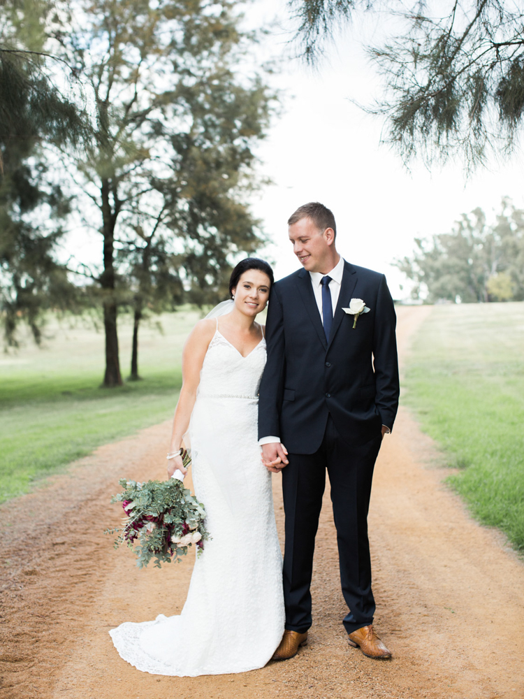00042- Lazy River Estate Dubbo Wedding Photo.jpg