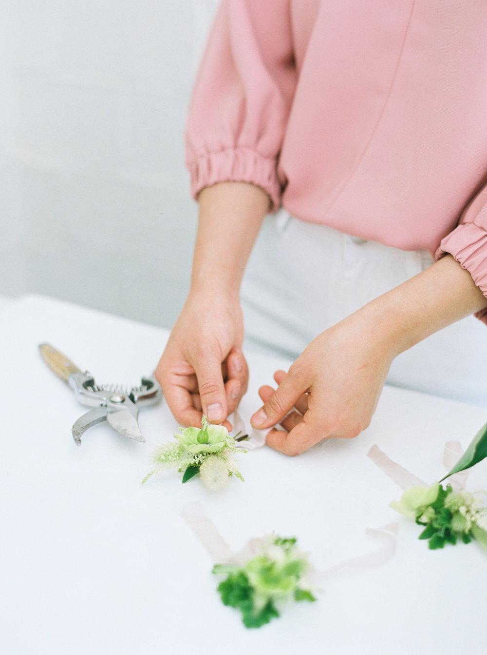 00038- Sydney Wedding Florist Flower Arrangement Mudgee Orange NSW Fine Art Film Lifestyle Photographer Sheri McMahon_.jpg