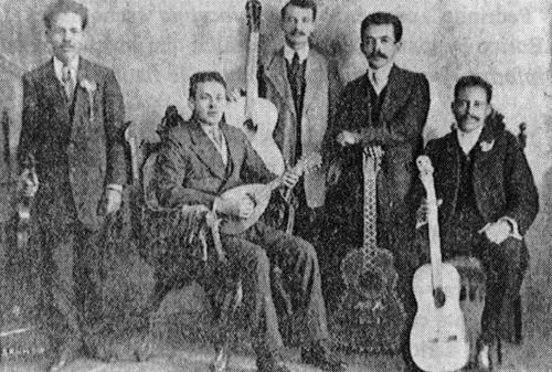 1914_07_grupo.png