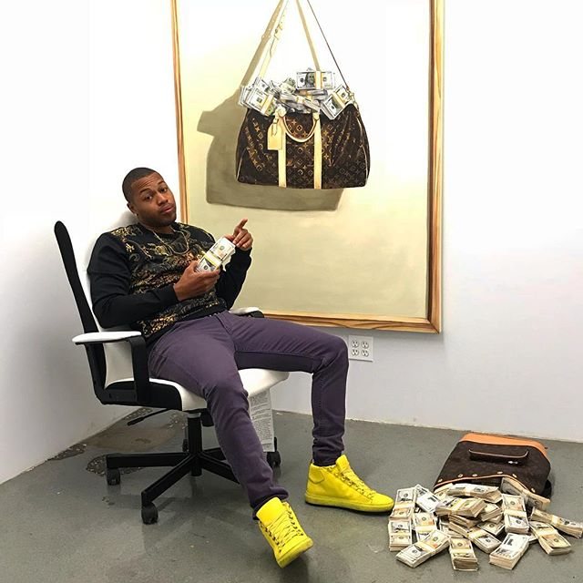 """What is value to you? Exploring ways to understand cultural values. """"Money Bag"""" 48"""" x 60"""" oil painting. This installation was inspired by Joseph Kosuth, """"One and Three Chairs"""" 1965. #money#moneybag#louisvuitton #louisvuittonbag #trompeloeil #oilpainting #theshaderoom #prattmfa #pratt#MFA#supportblackart #blackarts #blackexcellence #art#artist#abstract#realism #balenciaga #versace #painting#sketch#drawing"""