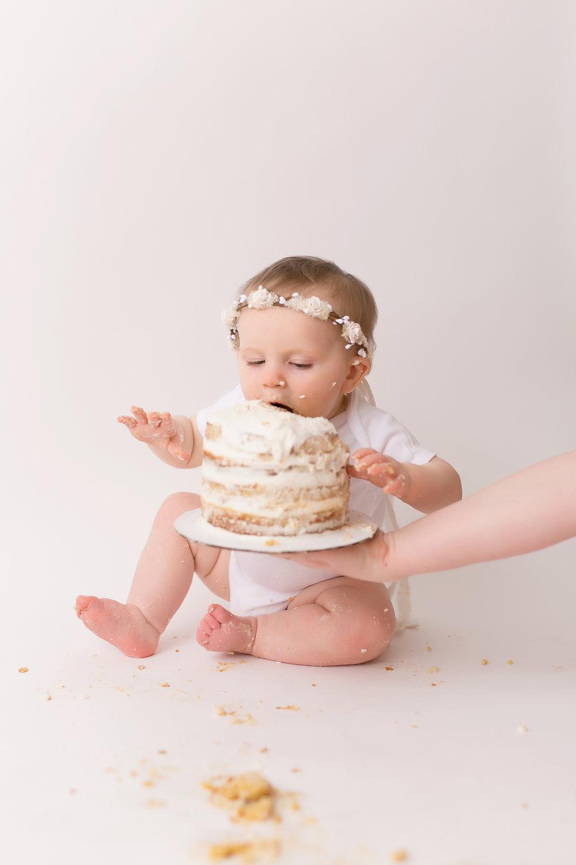 CakeSmash-52.jpg
