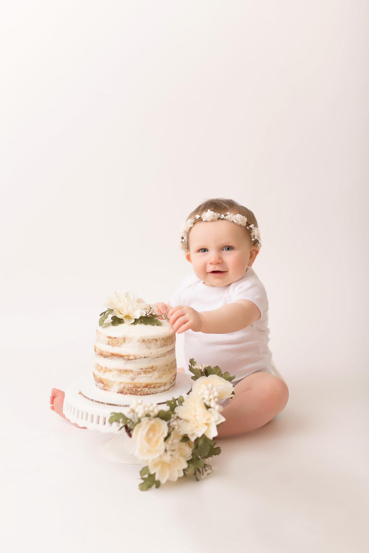 CakeSmash-53.jpg