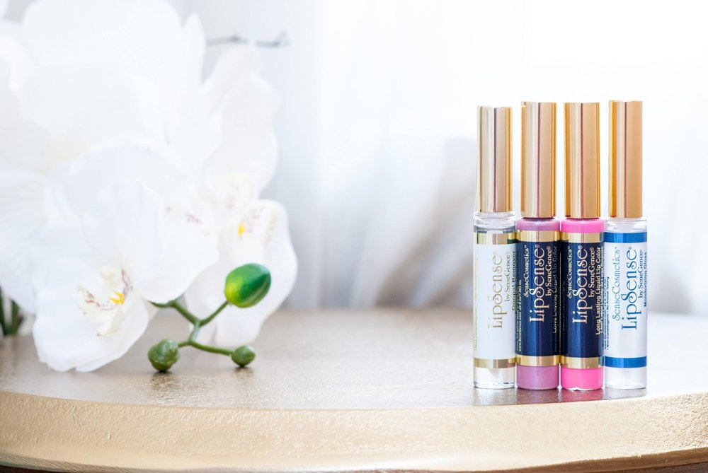Glosses. - Our gloss comes in 11 different options & contains Shea Butter & Vitamin E. The gloss locks in the LipSense color onto your lips & moisturizes them!Glossy Gloss® comes in the starter kit & is our most hydrating gloss!