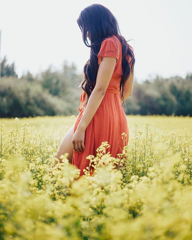 • R A D I A T E • Live life likes its golden ☀️#alldayeveryday 📷: @desilesphotography #livinmylifelikeitsgolden