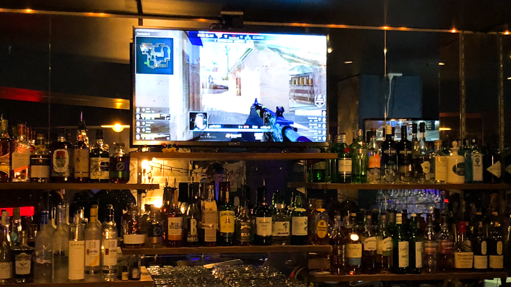 Pro level Counter-Strike tournaments being televised behind the bar isn't something you see every day!