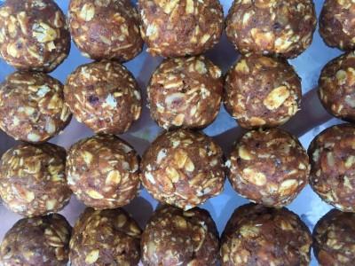 pumpkin protein balls.jpg