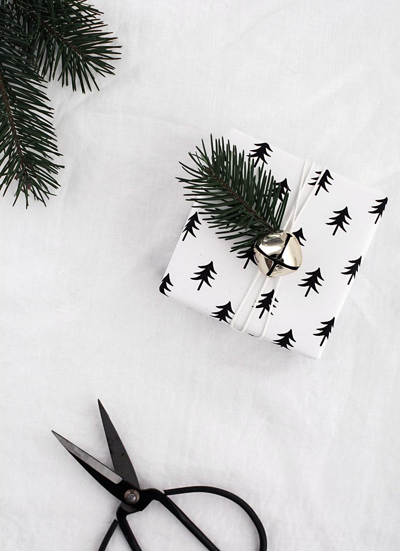 Black & White Tree Gift Wrap