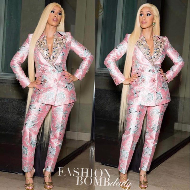 Cardi-B-Brings-The-Heat-To-Milan-Fashion-Week-Rocking-Dolce-And-Gabbana-5-800x800.png