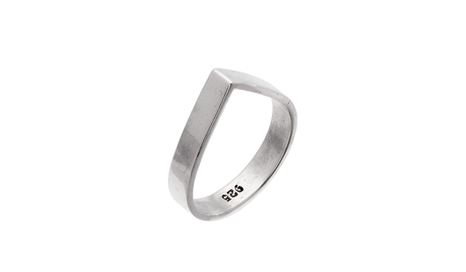 EYESEEi's classic hand made DROP ring in recycled silver.  Price: 340 SEK Photo : MONOQI