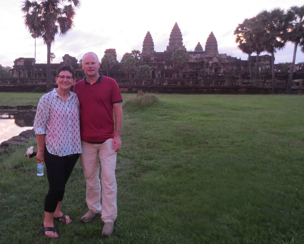 Frank and Francien in front of Angkor Wat
