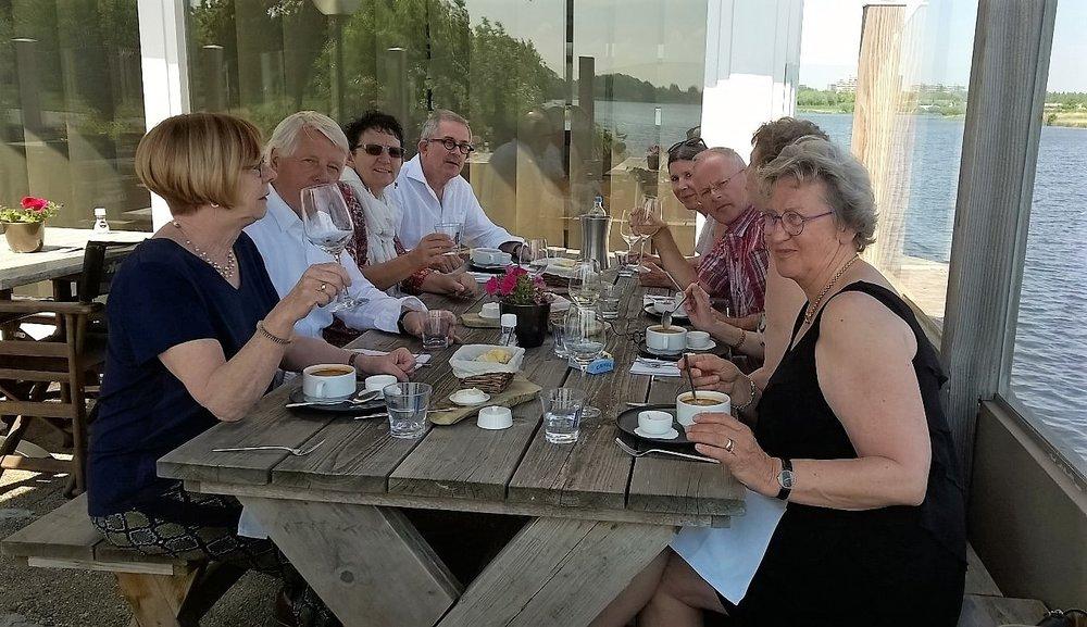 Dimphy, Bart, Francien, Jan, Mimi, Frank, Vivian, Greetje lunch at the Creek in Terneuzen