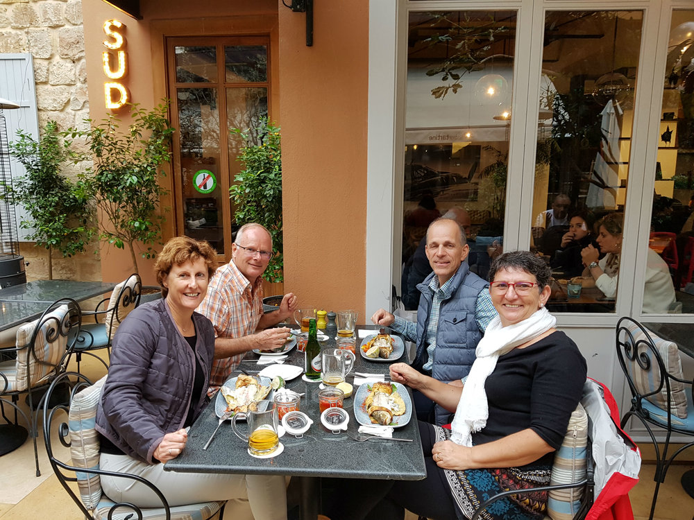 Hedwig, Frank, Jan and Francien having lunch in Beirut